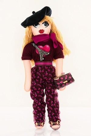 Gucci-unicef-designer-doll-vogue-26nov13-pr_426x639